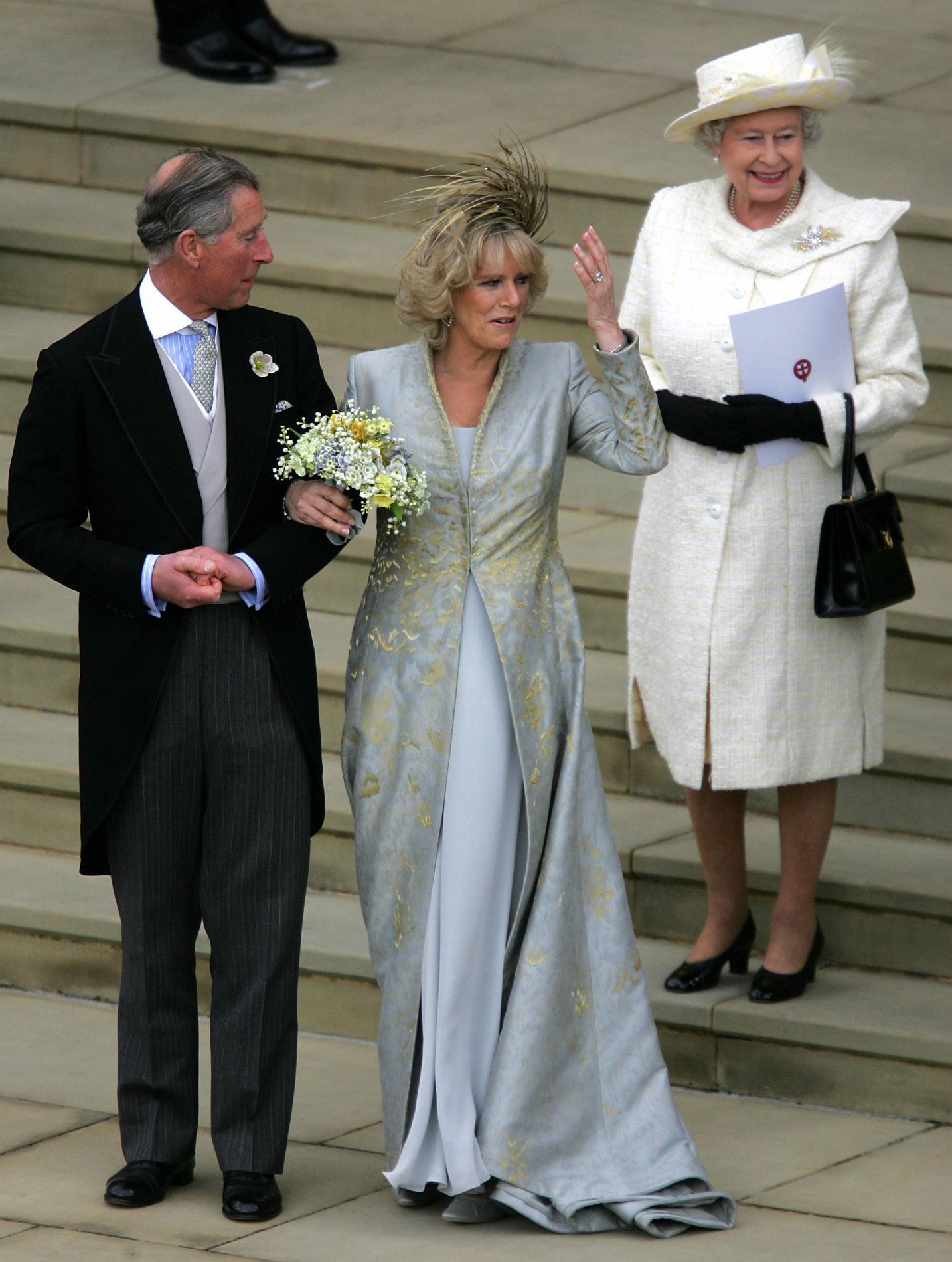 Les tenues de mariage de la reine d\u0027Angleterre Elizabeth II , 2005