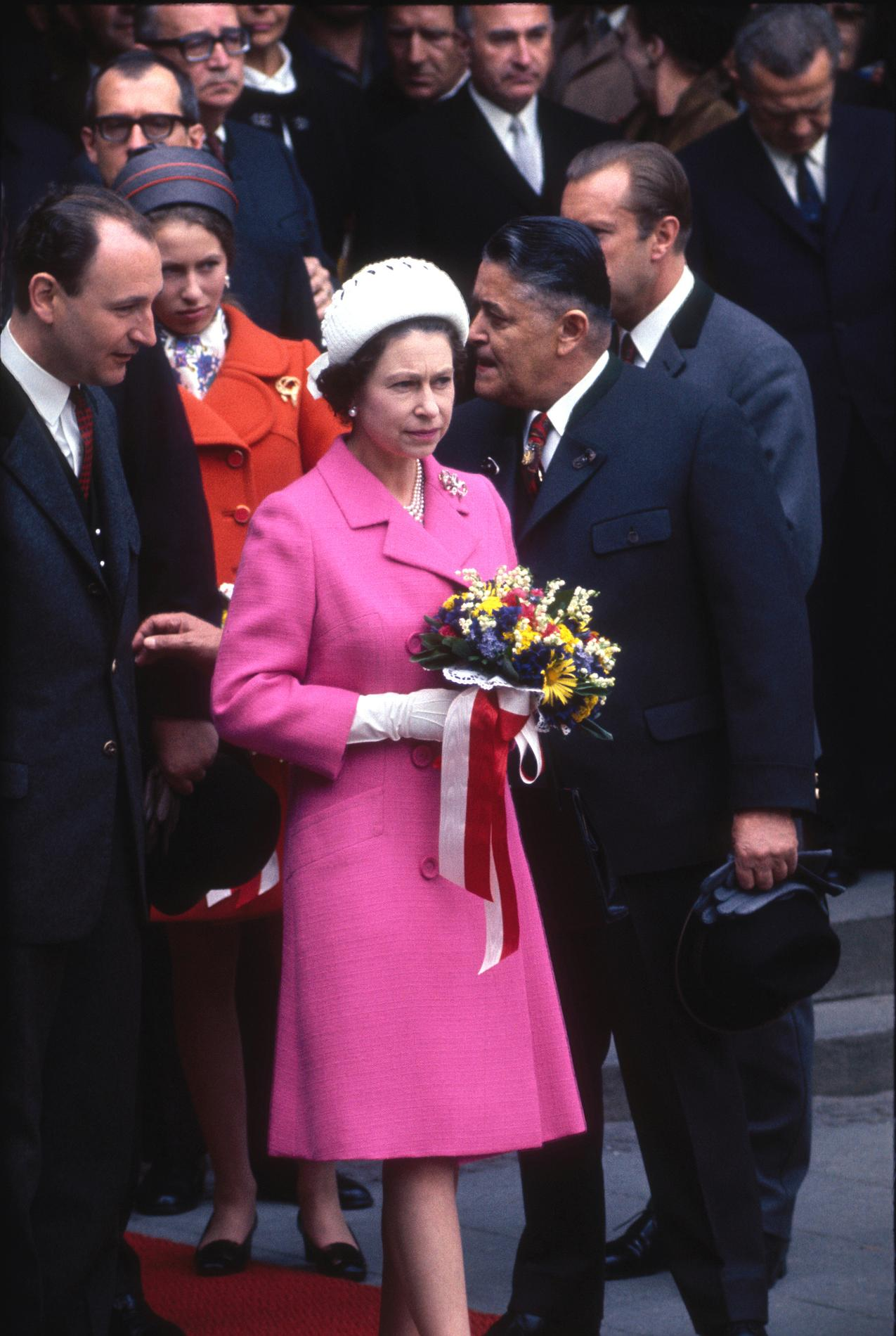Les tenues de mariage de la reine d\u0027Angleterre Elizabeth II , 1967