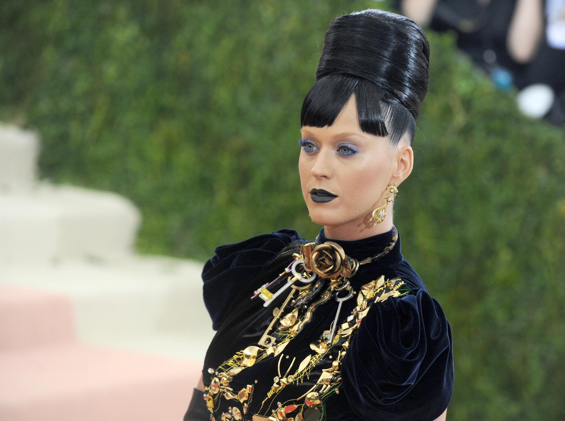 Les Coiffures Les Plus Memorables Du Gala Du Met Madame Figaro