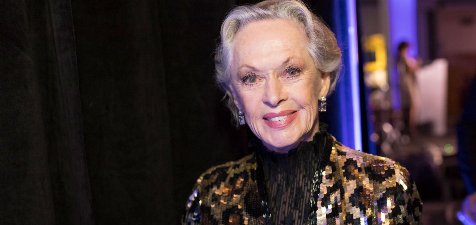 À 88 ans, l ex-actrice hollywoodienne Tippi Hedren devient l égérie montres  et joaillerie de la nouvelle campagne Gucci. (Los Angeles, le 16 décembre  2017.) 41751b46706