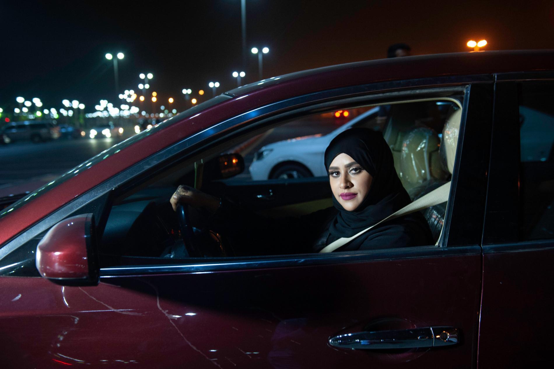 """Résultat de recherche d'images pour """"arabie saoudite voiture femme"""""""