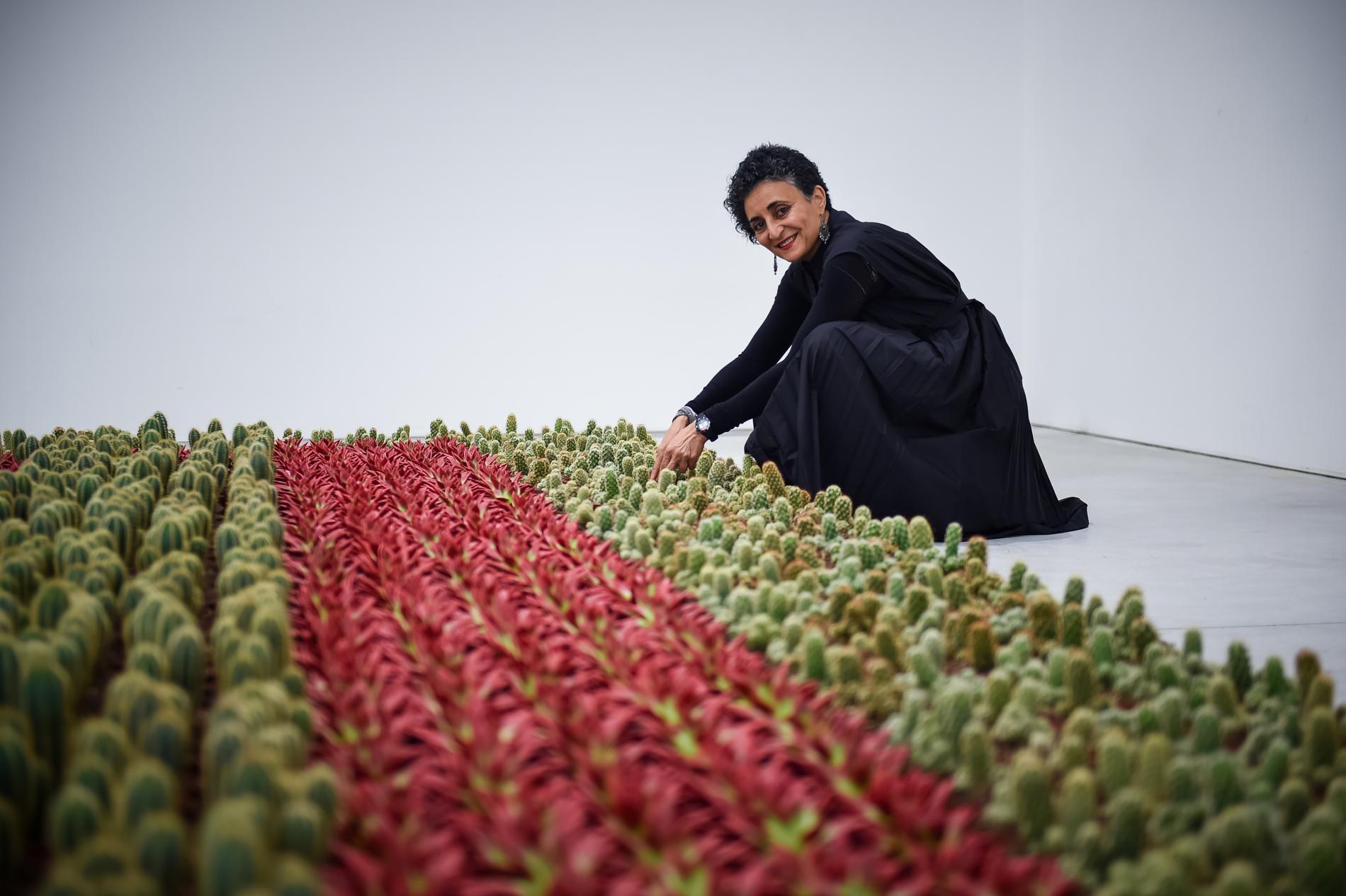 Ghada amer artiste franco gyptienne a cr un jardin for Cree un jardin