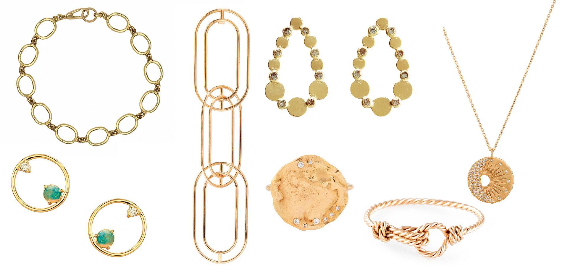 Longtemps négligé par les Français, très attachés aux bijoux en or 18  carats, le métal jaune moins titré séduit un nouveau genre de créateurs. 22dc6e19a9ba