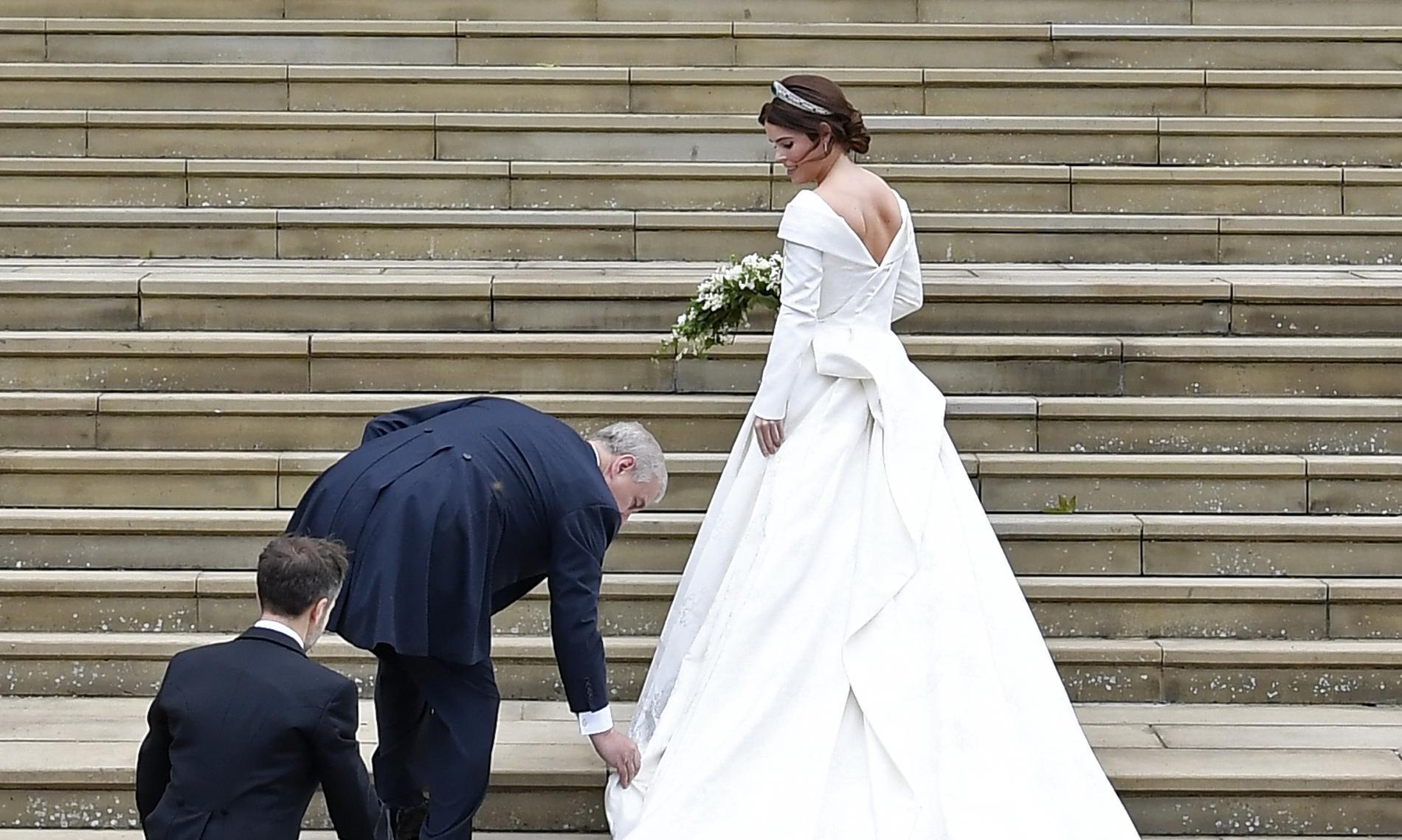 Pour son mariage la princesse eugenie opte pour une robe chargée de