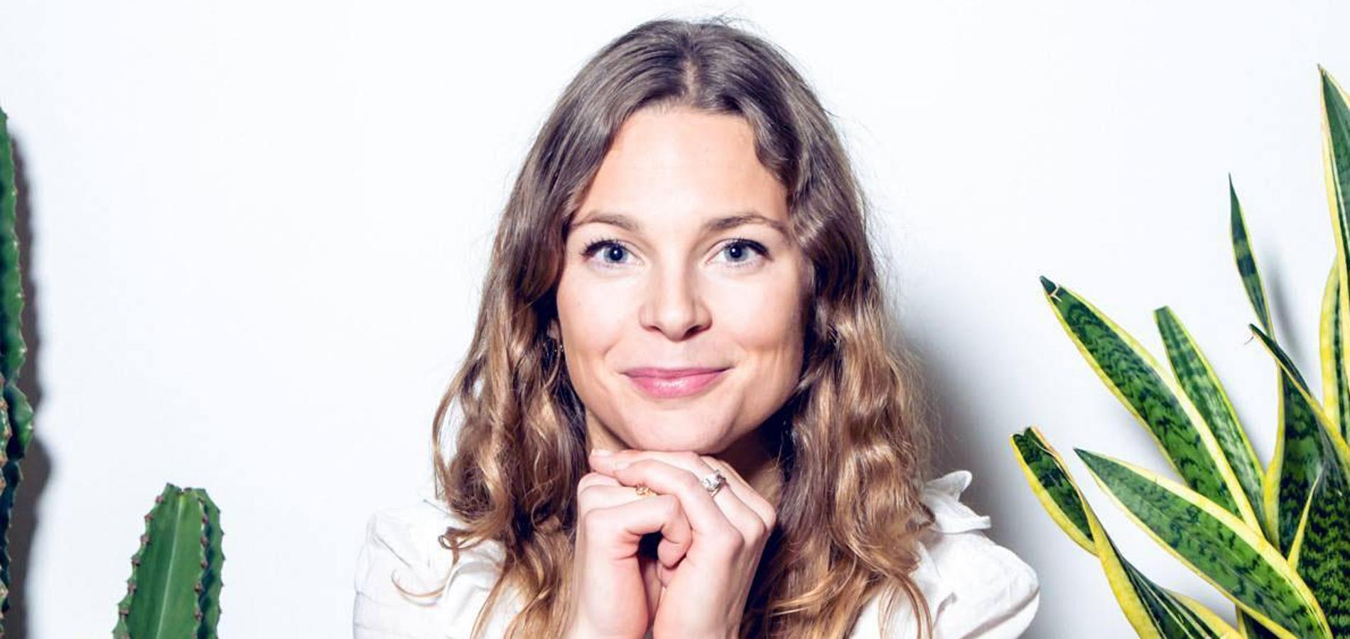 Fondatrice Face Face To De Simon La Marianna Szeib wntT1CPqCz