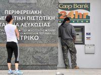 L'annonce de la taxation des dépôts a provoqué un afflux de retraits dans les banques de Chypre ce samedi.