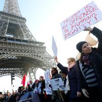 De Paris à Washington, des marches pour les droits des femmes