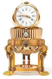 L'oeuf renferme une montre Vacheron Constantin.