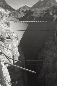 La barrage de Vajont en Italie après la catastrophe.