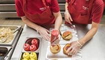 Les burgers Five Guys à l'assaut des Champs-Élysées