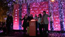 Illuminations aux Champs-Élysées : Lily-Rose Depp et les manifestants