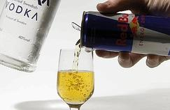 Les boissons énergisantes favoriseraient l'alcoolisme
