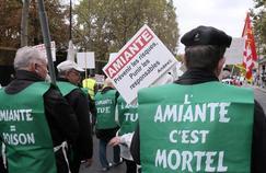 Amiante: 2200 nouveaux cancers et 1700 décès par an en France