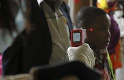 Ebola : des contrôles impuissants à l'aéroport de Monrovia