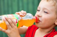 Sodas et jus de fruits rongent les dents en 30 secondes