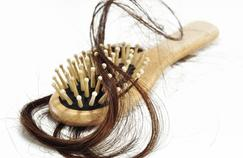 Vers un remède contre la chute atypique des cheveux