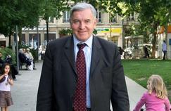 Pr Dubernard: «La France est en train de se faire dépasser par les États-Unis»