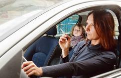 Fumer en voiture: quels dégâts sur les poumons des enfants?