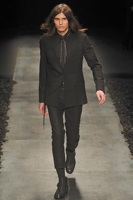 Dior Homme Dior Homme. Défilé Dior Homme automne-hiver 2010-2011 e4975f9de61