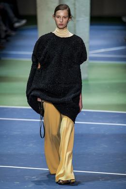 Celine desfile de moda outono-inverno 2016-2017, Paris - Look 1.