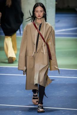 Celine desfile de moda outono-inverno 2016-2017, Paris - Olhe 9.
