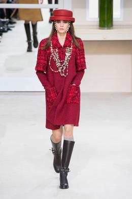 Défilé Chanel automne-hiver 2016-2017, Paris - Look 22.