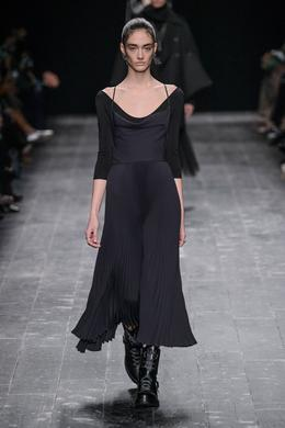 Valentino desfile de moda outono-inverno 2016-2017, Paris - Look 3.