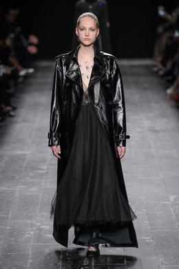 Valentino desfile de moda outono-inverno 2016-2017, Paris - Look 5.