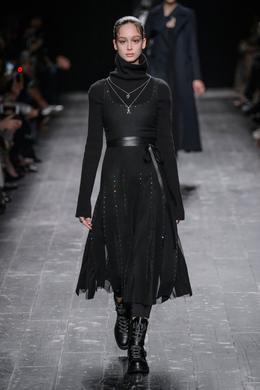 Valentino desfile de moda outono-inverno 2016-2017, Paris - Look 6.