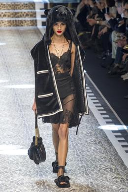 Défilé Dolce & Gabbana automne-hiver 2017-2018, Milan - Look 11.