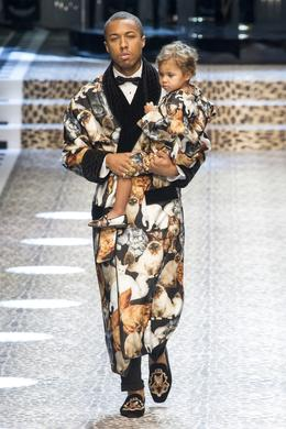 Défilé Dolce & Gabbana automne-hiver 2017-2018, Milan - Look 3.