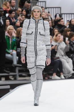 Défilé Chanel automne-hiver 2017-2018, Paris - Look 5.