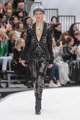 Défilé Chanel automne-hiver 2017-2018, Paris - Look 51.