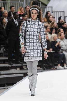 Défilé Chanel automne-hiver 2017-2018, Paris - Look 7.