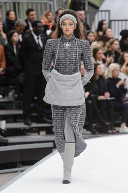 Défilé Chanel automne-hiver 2017-2018, Paris - Look 8.