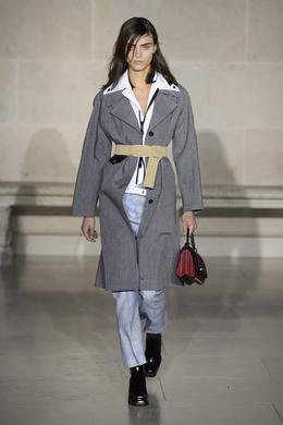 Défilé Louis Vuitton automne-hiver 2017-2018, Paris - Look 23.