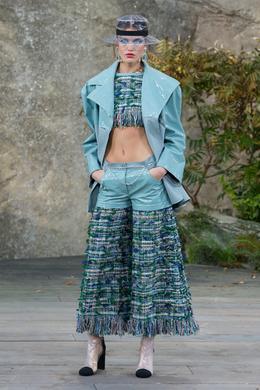 Chanel Spring-Summer 2018 show, Paris - Look 4.