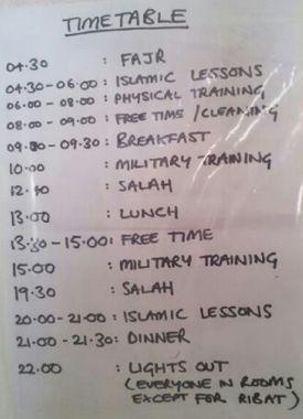 «L'emploi du temps» du camp d'entraînement djihadiste auquel les deux frères ont participé. Photographie saisie dans leurs téléphones.