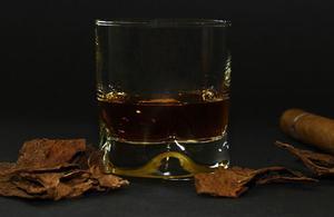 4 types de whisky qui se révèlent être de très bons investissements