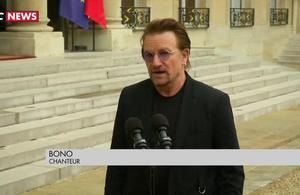 Bono enchanté par sa rencontre avec Macron à l'Elysée