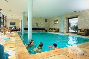La piscine du Château de Clermont.