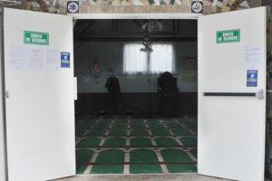 Une photo de la mosquée mise en ligne par l'AFM. On peut y voir les sorties de secours.