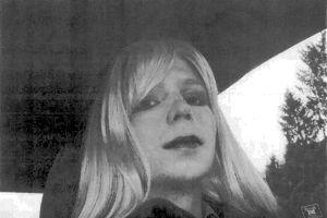 Bradley Manning, photographié en femme, en 2010.