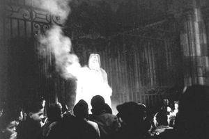 Le Père Noël brûlé à Dijon