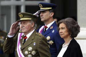 Juan Carlos est apparu fatigué lundi.