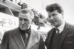 Amédée Gordini (à gauche) et Jean Rédélé, dans les stands duMans.