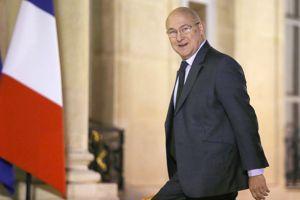 Michel Sapin passe du Travail aux Finances.