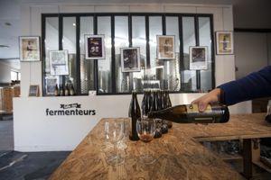 Thierry Roche dans sa brasserie de la Goutte d'or.