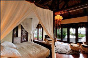 Une des deux chambres de la villa Ua.