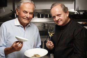 Joël Robuchon et Bernard Magrez .